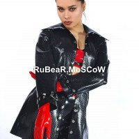 Пальто из текстурного латекса