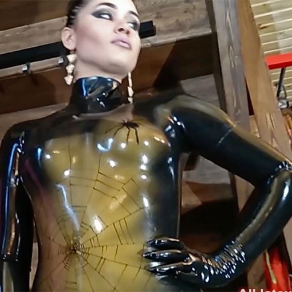 Видео: Софи SpiderGirl, часть 3